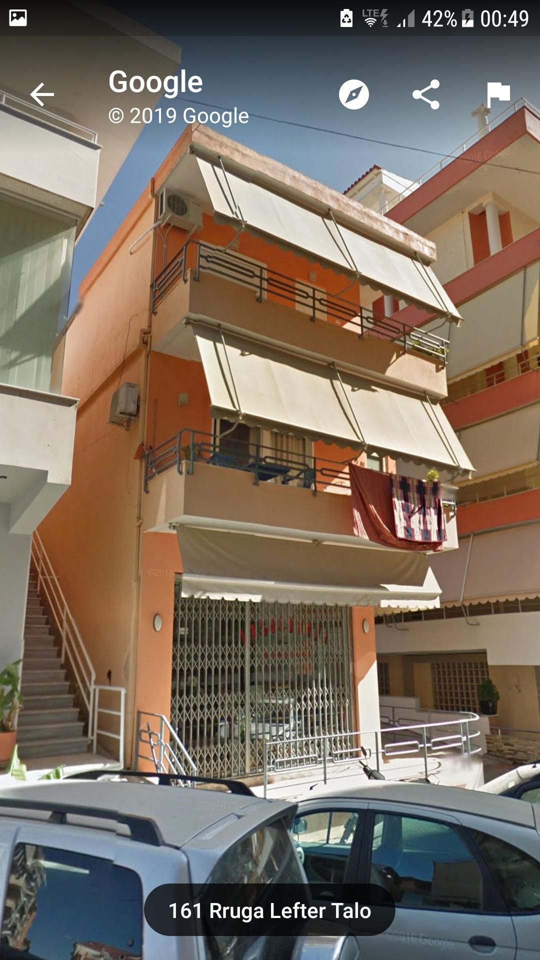 Shtepi private ne qender te Sarandes