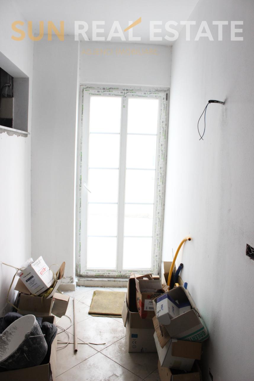 Apartament 1+1 n� shitje te Sht�pia e Pionierit