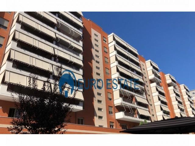 Tirane, shes apartament 2+1+A+BLK Kati 3, 135 m 169.000 Euro (Rruga e Kavajes)