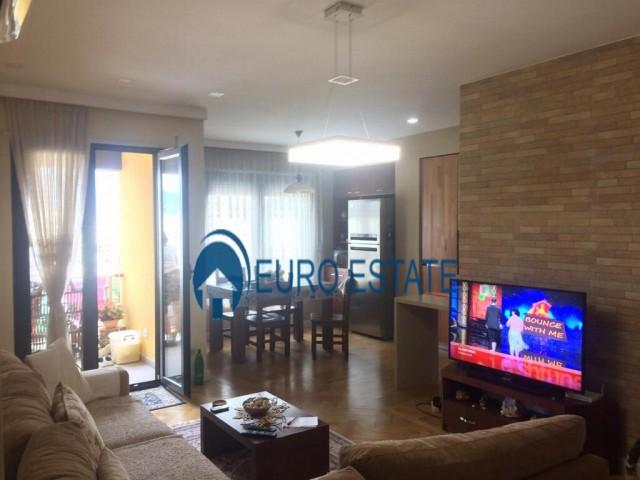 Tirane, jap me qera apartament 3+1+A+BLK Kati 7, 130 m 800 Euro