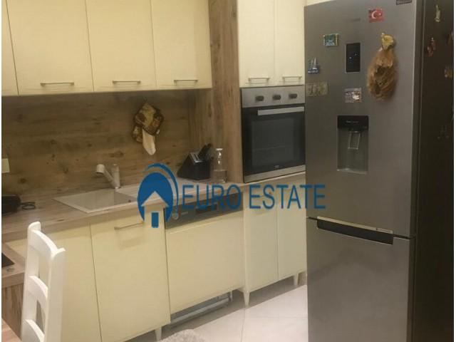 Tirane, shes apartament 2+1+A+BLK Kati 1, 77 m� 58.000 Euro (Rruga e Kavajes)