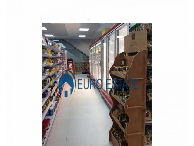 Tirane, shes ambjent biznesi Kati 1, 1.050 m� 790.000 Euro (Laprake)