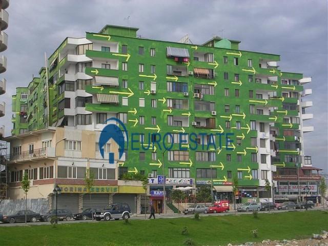 Tirane, jap me qera ambjent biznesi Kati 1, 30 m� 300 Euro (Pallati me Shigjeta)