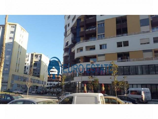 Tirane, shes ambjent biznesi Kati 1, 237 m 355.000 Euro (Unaza e re)