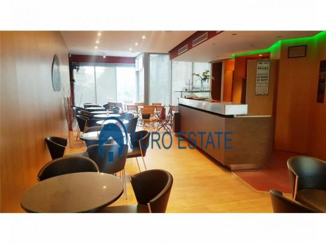 Tirane, jap me qera ambjent biznesi Kati 1, 78 m 450 Euro (Don Bosko)