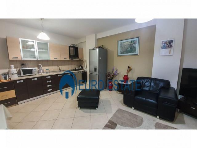 Tirane, shes apartament 2+1+A+BLK Kati 8, 117 m� 118.500 Euro (Komuna e Parisit)