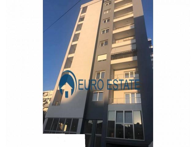 Tirane, shes apartament 2+1+A+BLK Kati 2, 114 m 153.000 Euro (Pazari I ri)
