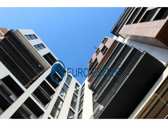 Tirane, shes apartament 2+1+A+BLK Kati 8, 110 m 93.000 Euro (Rruga e Kavajes)