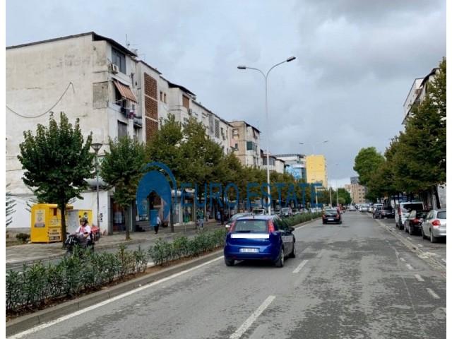 Tirane, shes ambjent biznesi Kati 1, 39 m 160.000 Euro (Rruga Bardhyl)