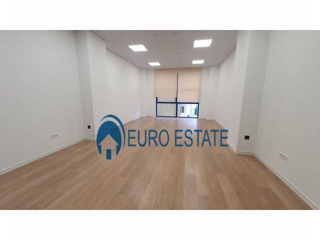 Tirane, jap me qera ambjent biznesi Kati 2, 54 m 500 Euro (Tirana e Re)