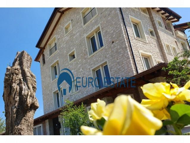Tirane, shes apartament 3+1+A+BLK Kati 1, 142 m 200.000 Euro (TEG)