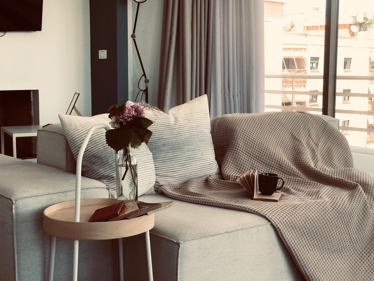 Apartamente me qira ditore prane sheshit Skenderbej