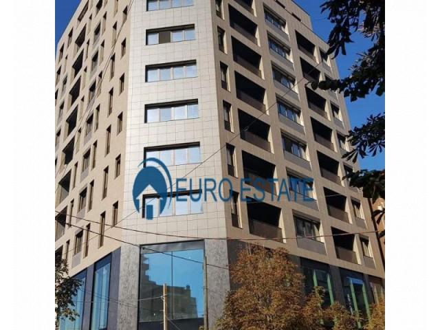 Tirane, shes ambjent biznesi 228 m 610.000 Euro (9 Kateshet)