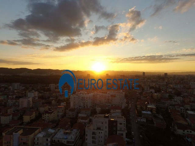 Tirane, shes apartament 3+1+A+BLK Kati 3, 144 m 95.000 Euro (Rruga e Elbasanit)