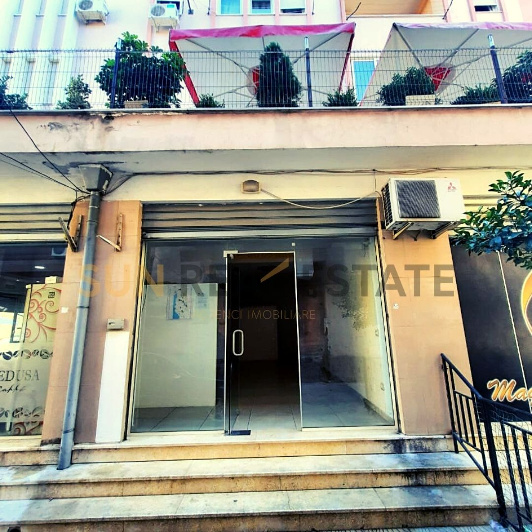 Dyqan pr shitje ne rrugen ''Arkitekt Sinani''