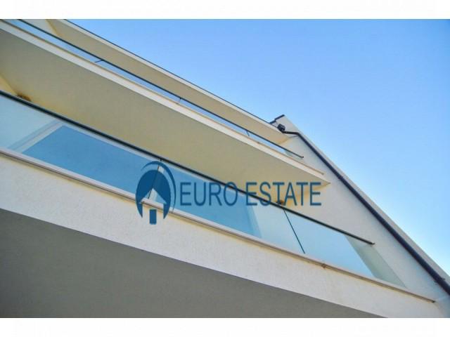 Tirane, shes Vile 3+1+A+BLK 320 m 544.000 Euro (Farke)