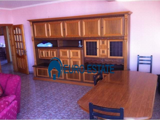 Tirane, jap me qera apartament 2+1+A+BLK Kati 6, 103 m 400 Euro (Rruga e Durresit)