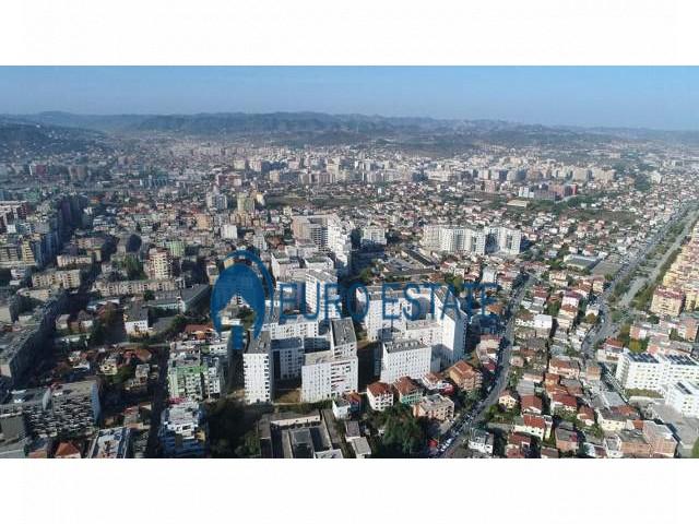 Tirane, shes ambjent biznesi Kati 1, 58 m 111.000 Euro (Frosina Plaku)