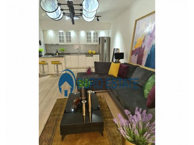 Tirane, shes apartament 1+1+A+BLK Kati 8, 86 m