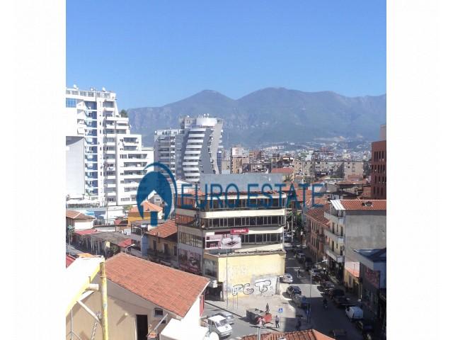 Tirane, shes ambjent biznesi Kati 1, 344 m 450.000 Euro (Selvia)