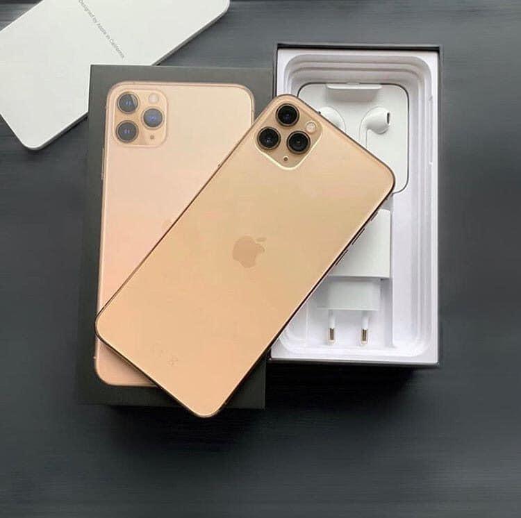 Selling iPhone 12 Pro iPhone X (Whatsapp :+13072969231)