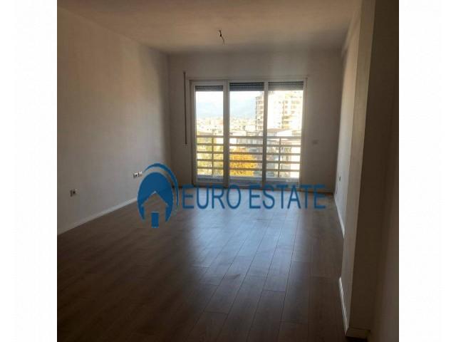 Tirane, shes apartament 2+1+A+BLK Kati 2, 83 m 70.000 Euro (Kupola)