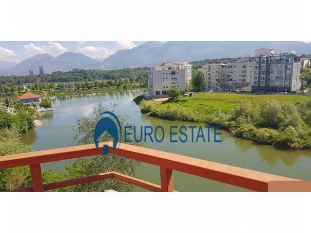 Tirane, shes apartament 4+1+A+BLK kati 5, 263 m, 330000 Euro (Liqeni)