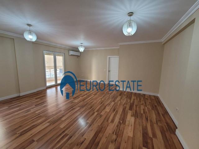 Tirane, shes apartament 2+1+A+BLK Kati 3, 112 m 80.000 Euro (Yzberisht)