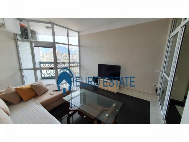 Tirane, shes apartament duplex 5+1+A+BLK Kati 6, 190 m 266.000 Euro (Qender)