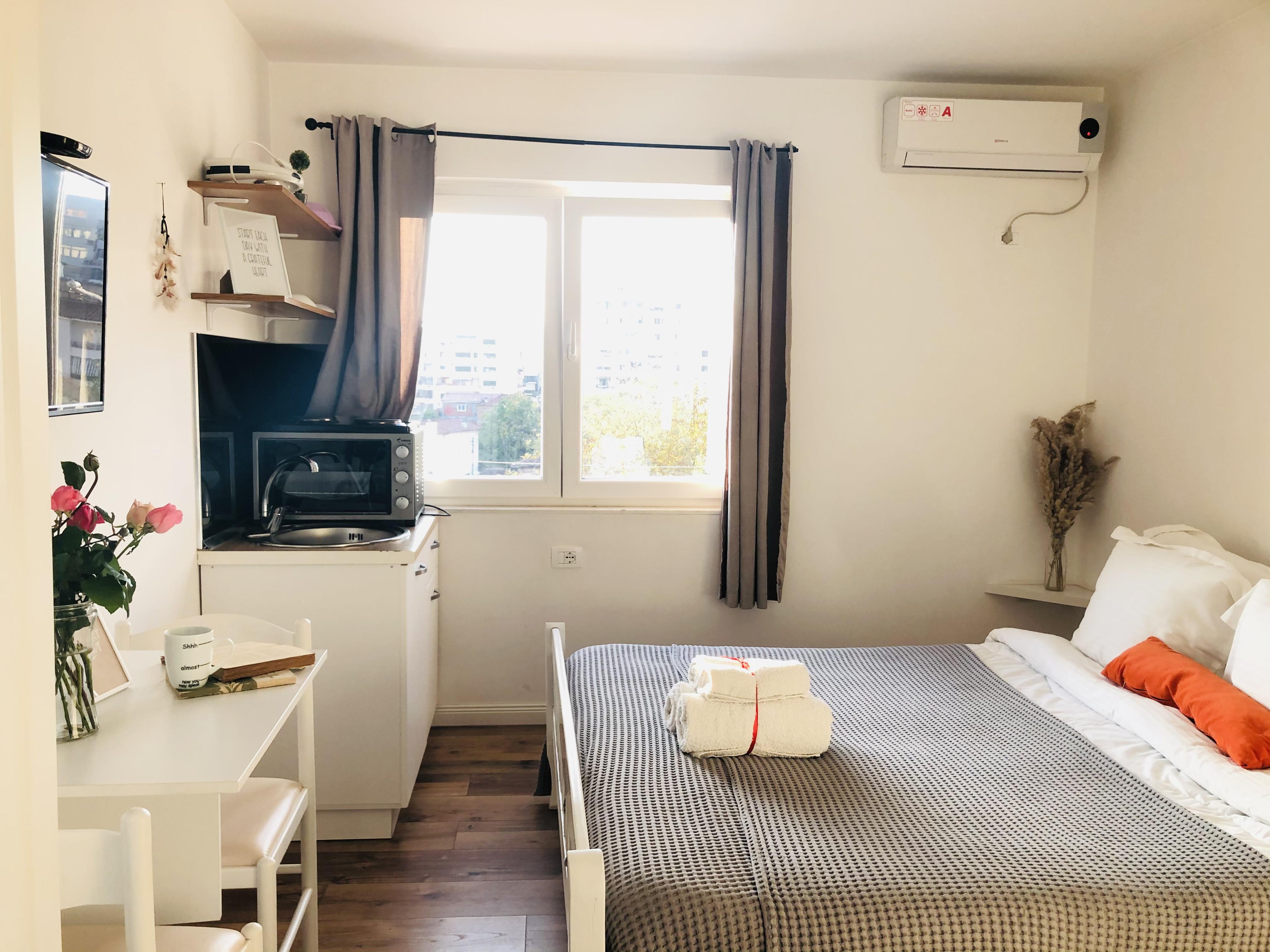 Dhoma me qera ditore prane Sheshit Skenderbej,, Tirane