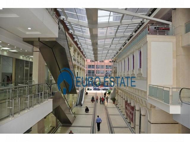 Tirane, shes ambjent biznesi 37 m 73.000 Euro (Rruga e Barrikadave)