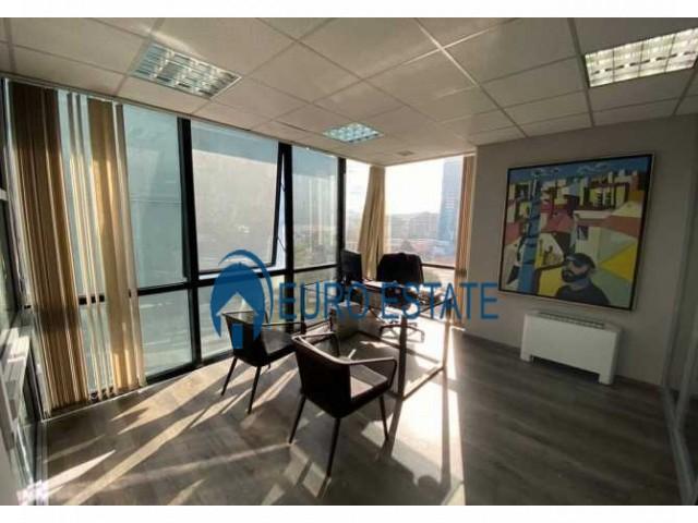 Tirane, jap me qera zyre 252 m 3.250 Euro (Qender)