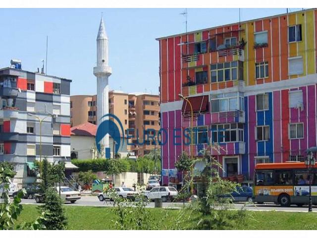 Tirane, shes ambjent biznesi Kati 1, 17 m 25.500 Euro (Bulevardi Bajram Curri)