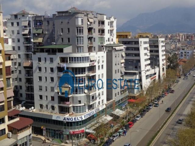 Tirane, shes ambjent biznesi 84 m 120.000 Euro (Rruga e Kavajs)