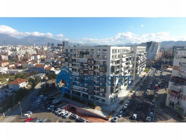 Tirane, shes apartament duplex 2+1+A+BLK 185 m 190.000 Euro (Ndre Mjeda)