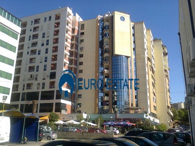 Tirane, shes apartament 2+1+A+BLK 106 m 126.500 Euro (Stacioni I trenit)