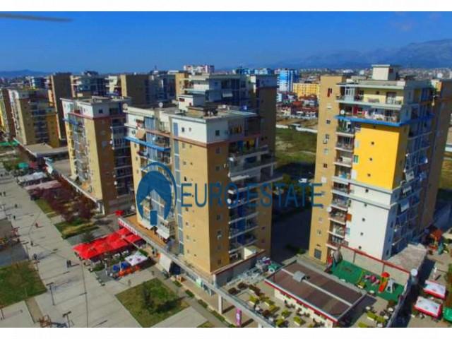 Tirane, shes apartament 3+1+A+BLK 160 m 165.000 Euro (Liqeni i Thate)