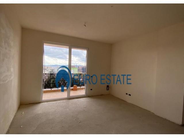 Tirane, shes apartament 3+1+A+BLK Kati 7, 135 m 121.500 Euro (Rruga e Dibres)