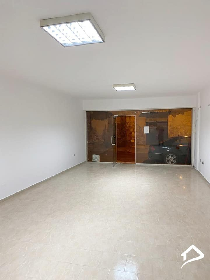 Jepet me qira objekt biznesit 60 m2