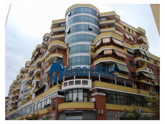 Tirane, shes ambjent biznesi Kati 2, 40 m 40.000 Euro (21 dhjetori)