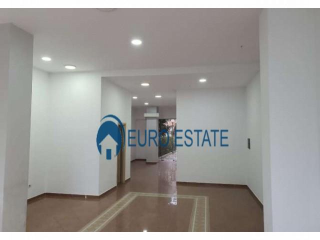 Tirane, shes ambjent biznesi Kati 1, 118 m 358.000 Euro (Rruga Bardhyl)
