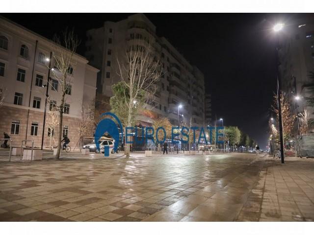 Tirane, shes apartament 2+1+A+BLK Kati 3, 121 m 157.000 Euro (Bulevardi Zogu I)