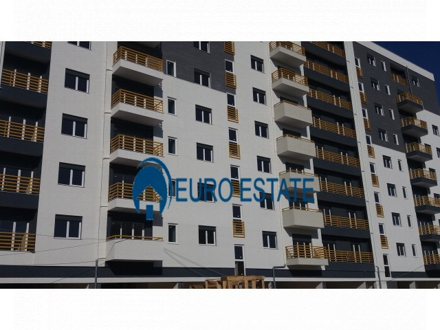 Tirane, shes apartament 1+1+A+BLK 81 m (Laprake)