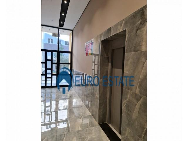 Tirane, shes apartament 1+1+A+BLK 71 m 63.000 Euro (Selite)