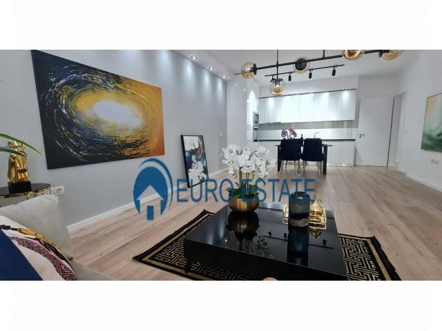 Tirane, shes apartament 2+1+A+BLK Kati 8, 117 m 145.000 Euro (Rruga e Kavajes)