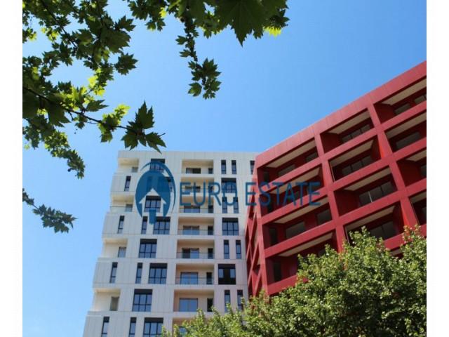 Tirane, shes apartament 2+1+A+BLK Kati 11, 111 m 100.000 Euro (Farmacia 10)