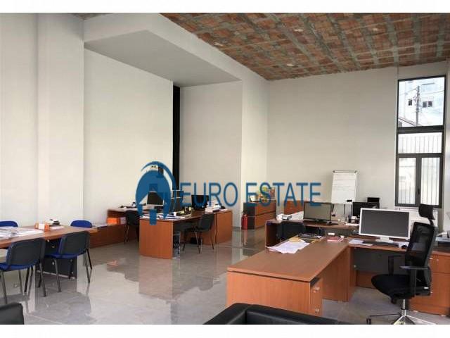 Tirane, shes ambjent biznesi 145 m 203.000 Euro (Selite)