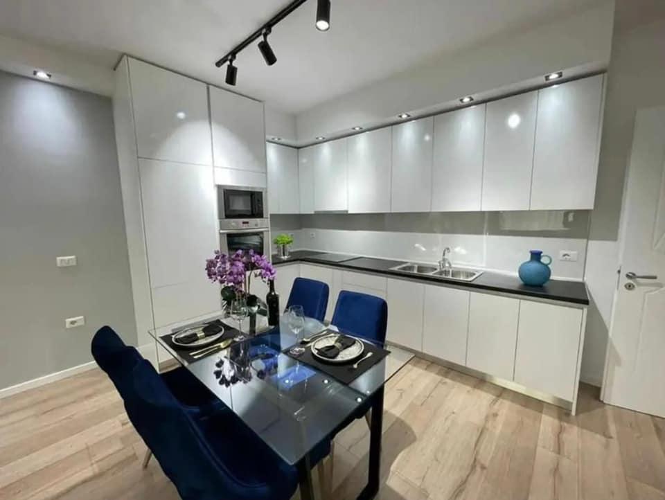 Super  Apartament ne shitje