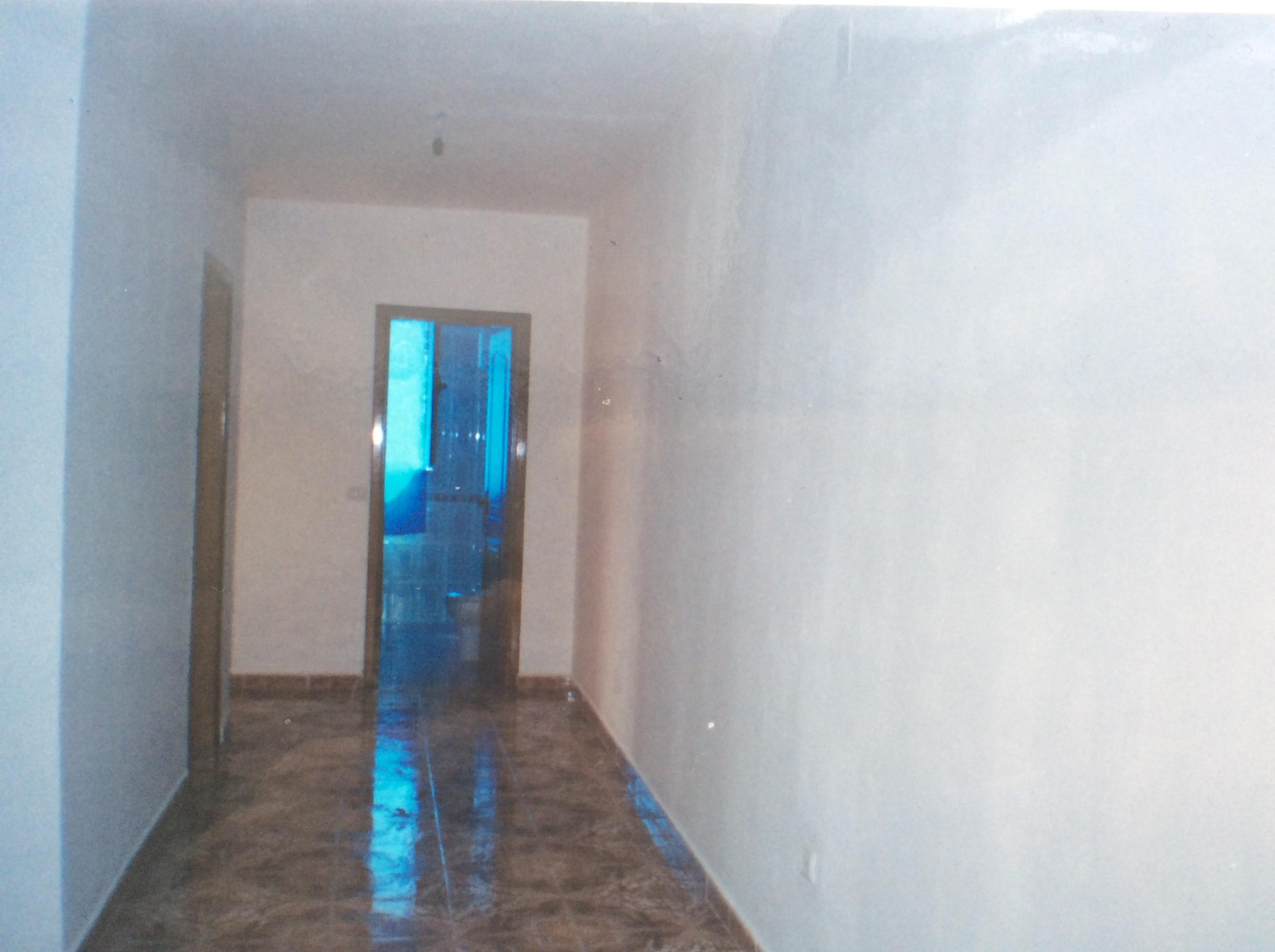 Apartment 2+1 me dyqan poshte