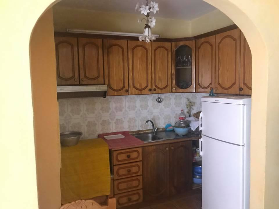 Shitet Apartament 1+1 ne L.Perash ne Shkoder